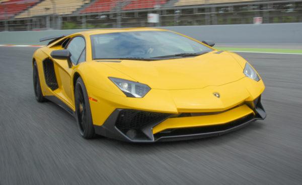 2016-Lamborghini-Aventador-LP750-4-SV-Roadster-Car-Photography